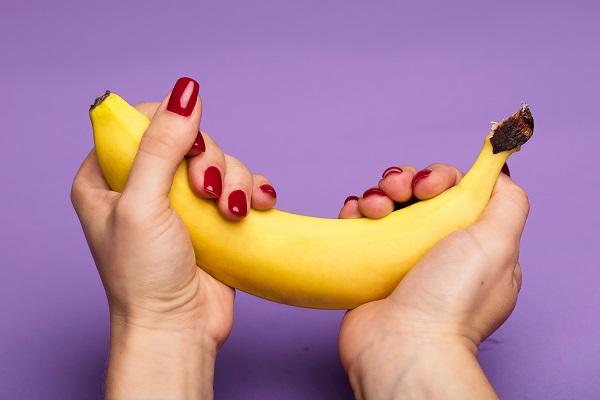 a férfi kényeztetése pénisz érintése